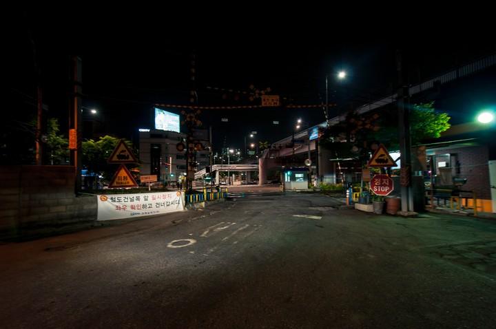 Railway crossing near Seobinggo