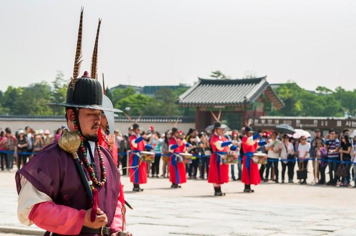 Guard at Geunjeogmum