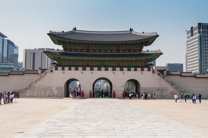 Gate house at Geunjeogmum