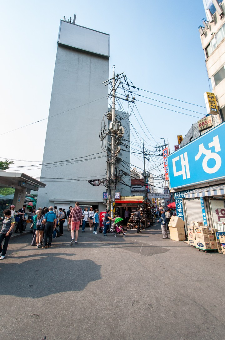 Subway stop in Seoul