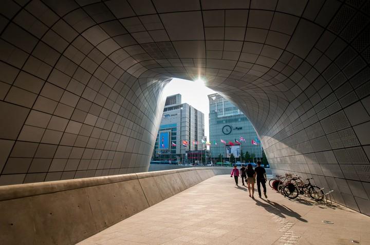 Tunnel of Dongdaemun Design Plaza