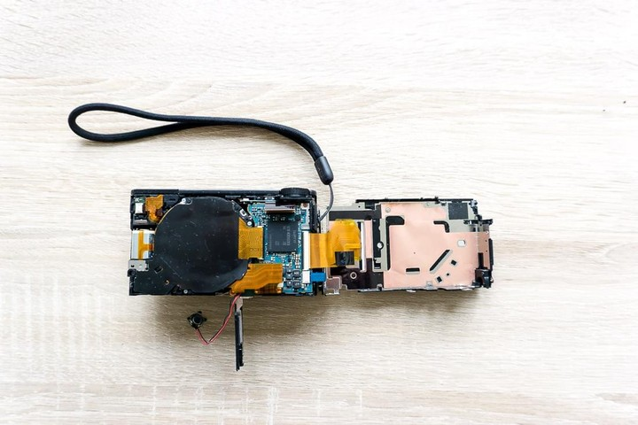 Sony RX-100 opened