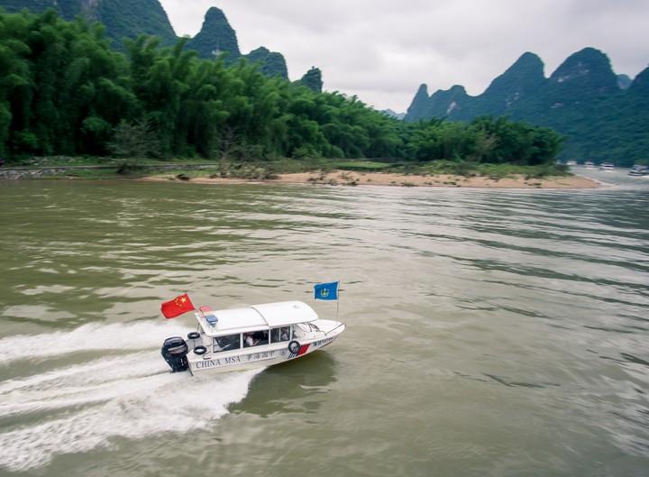 Speedboat on the Li River