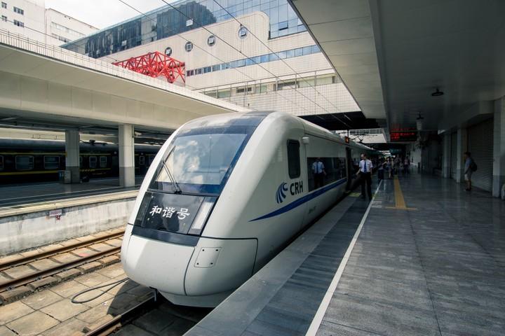 CRH High-Speed train to Guangzhou