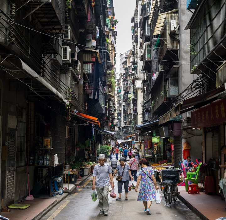 Narrow alley in Guangzhou