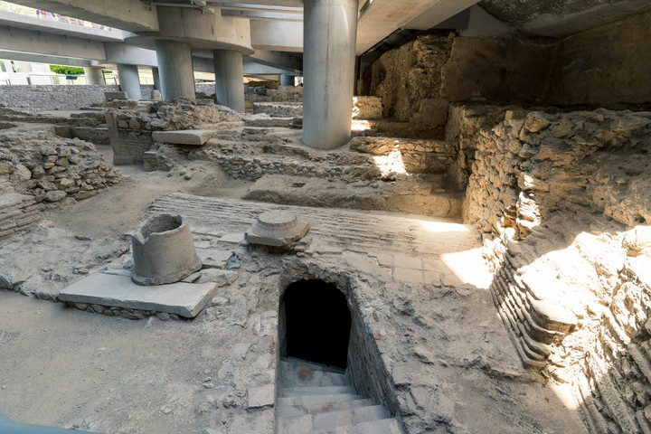 Acropolis museum basement