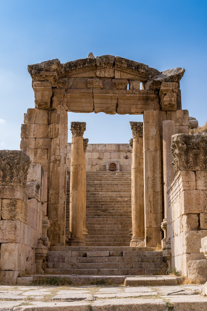 Old structure along Cardo Maximus