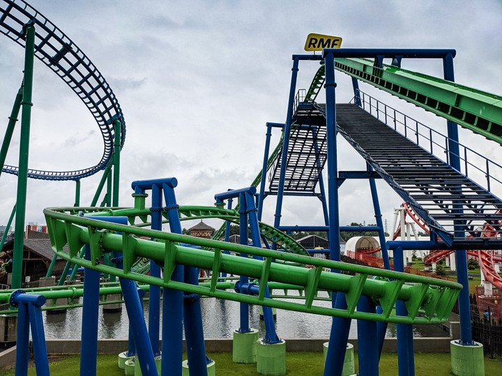 Suspended family coaster Energylandia