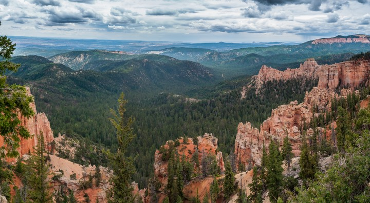 scenic view of Bryce Canyon National Park