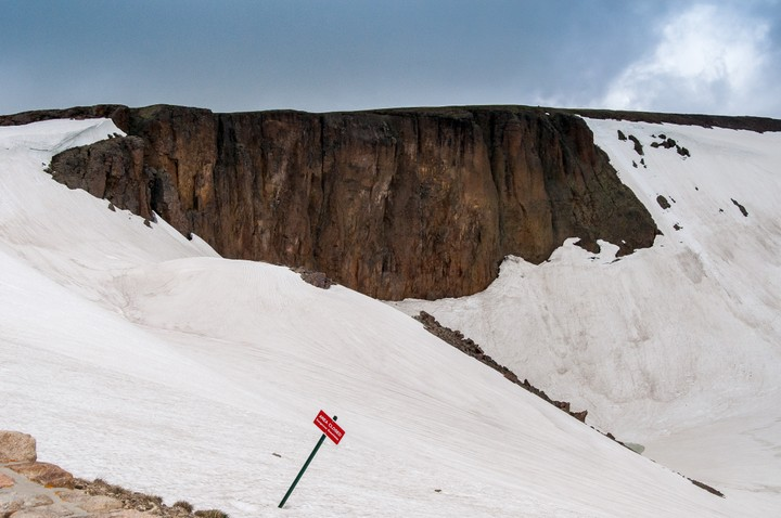 Snow in Rocky Mountains Nat. Park