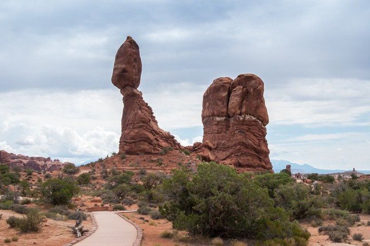 View of balancing boulder in Arches Nat. Park