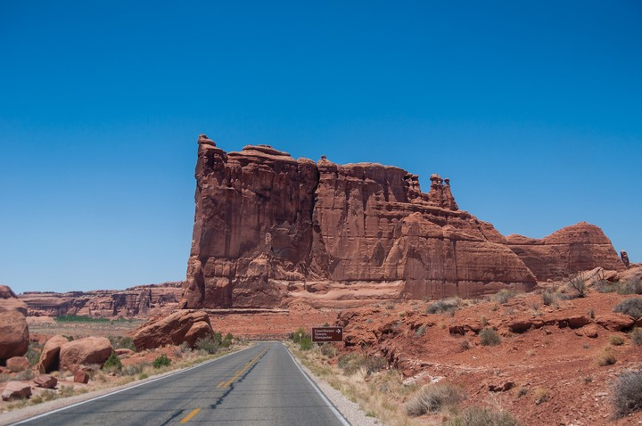 Road leading up to rocks at Arches Nat. Park